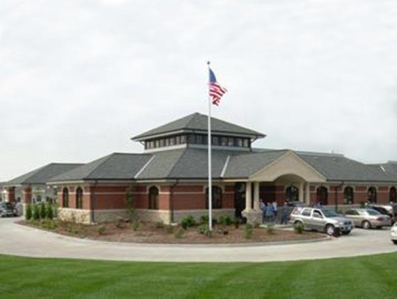 Hawthorn Bank Clinton Banking Center - Old Country Club Park